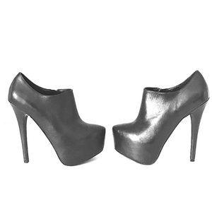 Black Leather Vipper Heels